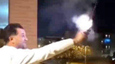 Foggia, il presidente del consiglio comunale spara con una pistola a Capodanno insieme al figlio minorenne