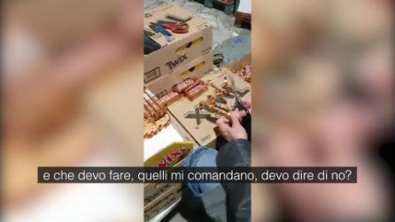 Cosi si vendono snack scaduti a prezzi stracciati per la calza della Befana