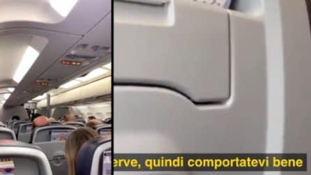 Passeggeri inneggiano a Trump durante il volo, il comandante reagisce e minaccia di atterrare