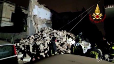 Bari, crolla palazzina di due piani a Modugno