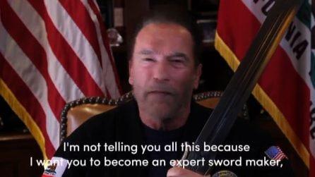 Arnold Schwarzenegger con la spada di Conan contro Trump