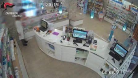 Caserta: pistole in pugno rapinavano farmacie, due gli arresti