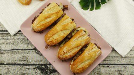 Cheesesteak: il panino perfetto per un sabato da leccarsi i baffi!