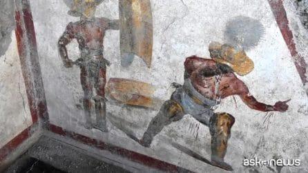 """Pompei regala un'altra meraviglia: scoperto l'affresco """"splatter"""" dei gladiatori"""