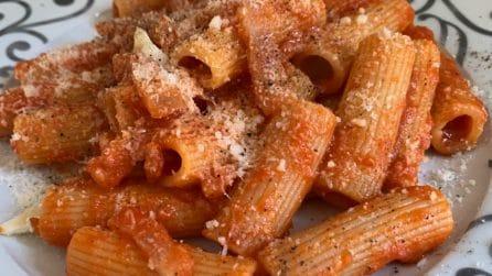 Rigatoni guanciale e pomodoro: il primo piatto semplice e saporito