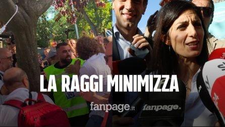 """10 anni M5s a Napoli, insulti e spintoni ai giornalisti. La Raggi: """"Attivisti desiderano stare con noi"""""""