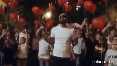"""Nel video di Rocco Hunt """"Ti volevo dedicare"""" J-Ax e Boomdabash"""