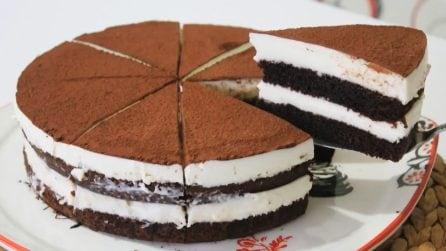 Torta al tiramisù: la versione soffice e golosa del famoso dessert