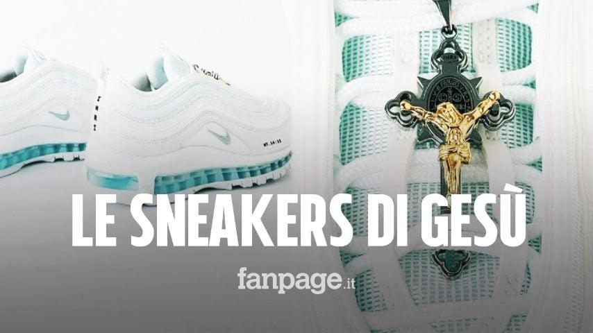 Le sneakers di Gesù, le scarpe (virali) col crocifisso e l