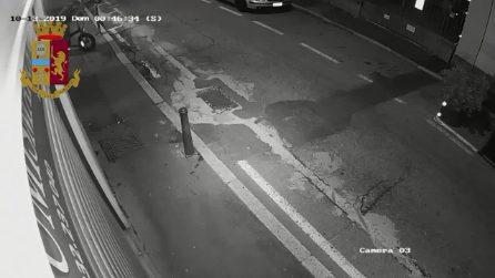 Varese, 15enne accoltellata al volto: le telecamere riprendono il momento dell'aggressione