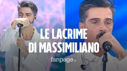 "Amici Celebrities, Massimiliano Varrese in lacrime: ""Ho superato un momento difficile"""
