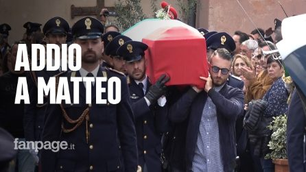 Sparatoria Questura Trieste: folla a Velletri per l'addio a Matteo Demenego