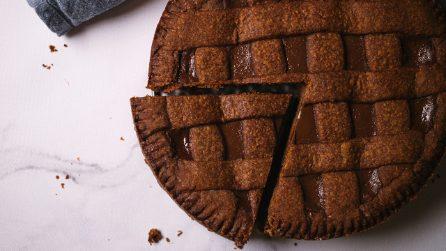 Crostata al cioccolato: il suo ripieno così goloso e cremoso vi conquisterà a prima vista!