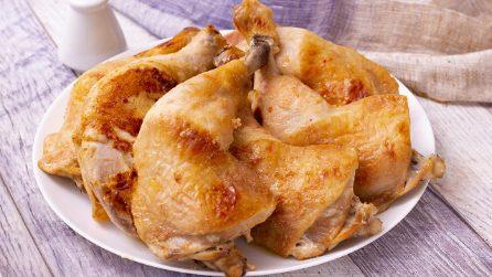 Cosce di pollo croccanti: il trucchetto per ottenerle morbide dentro e saporite e ben cotte fuori!
