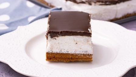 Chocolate squares: creamy and rich of whipped cream, they are super delicious!