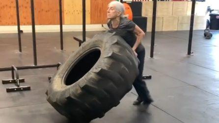 Lauren Bruzzone, la donna che a 72 anni va in palestra ogni giorno sfidando i suoi limiti