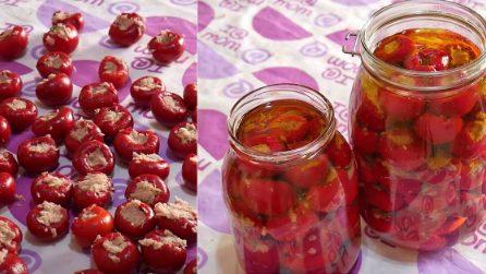 Peperoncini ripieni sott'olio: un contorno saporito che delizierà tutti