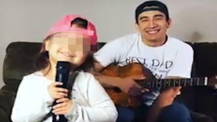 Il dolce momento tra padre e figlia mentre cantano e ballano insieme: la storia di Nick e Sienna