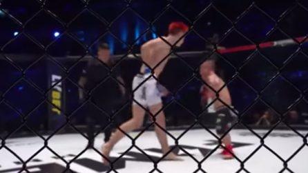 L'assurdo combattimento MMA: è alto 1 metro e 30 ma combatte senza paura