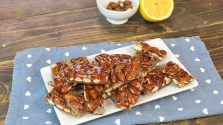 Almond brittle: the homemade recipe for a delicious almond candy!