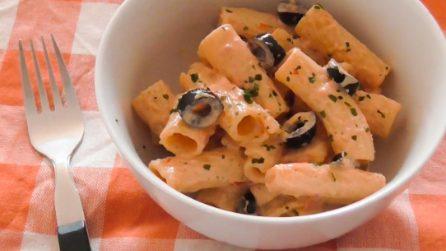 Rigatoni con crema di ricotta e pomodorini: la ricetta del primo piatto saporito