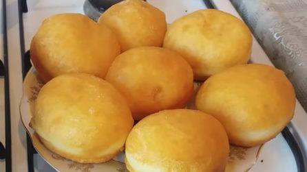 Bomboloni fritti: la ricetta semplice per prepararli in casa