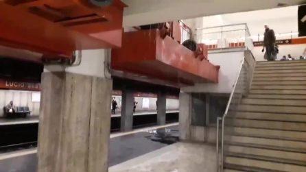 Metro A, chiusa la fermata Lucio Sestio: banchine allagate