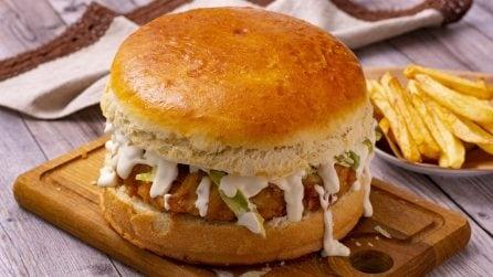 Burger gigante: come fare in casa uno dei panini più gustosi di sempre!