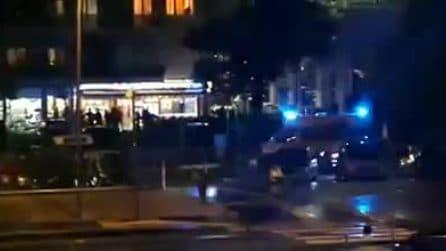 Rapina con sparatoria al bar Europeo di Cinecittà: ferito il titolare, morto un rapinatore