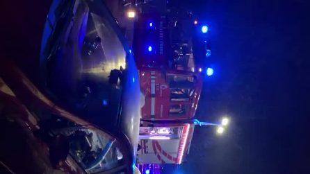 Nuovo incendio a La Pecora Elettrica, caffetteria distrutta dalle fiamme