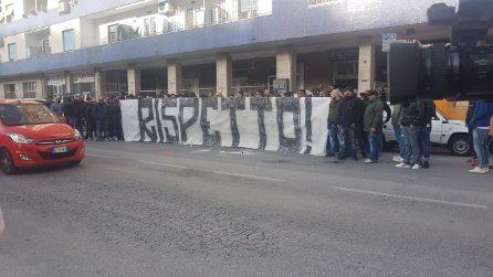 Caos Napoli, durissima contestazione dei tifosi: la richiesta alla società