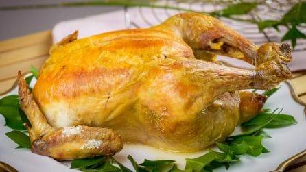 Pollo al sale: la ricetta per ottenere una carne morbida e succosa!