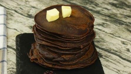 Pancakes al cacao: la variante della ricetta tradizionale per una colazione golosa!