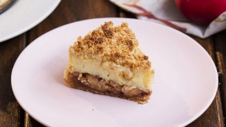 Cheesecake alle mele: croccante fuori e cremosa dentro!