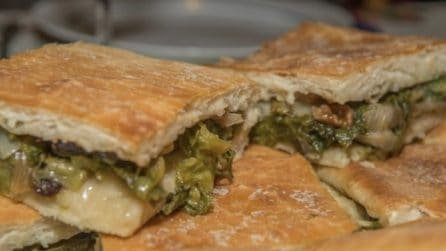 Pizza di scarole: la ricetta rustica che accontenta tutti i gusti
