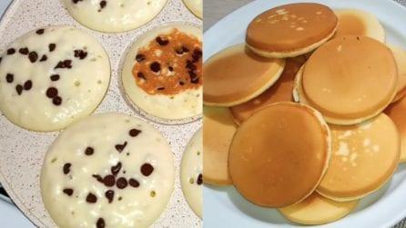 Mini pancakes con gocce di cioccolato: uno tira l'altro