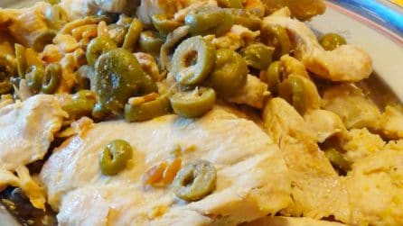 Petto di pollo con olive e capperi: la ricetta del secondo piatto semplice e veloce