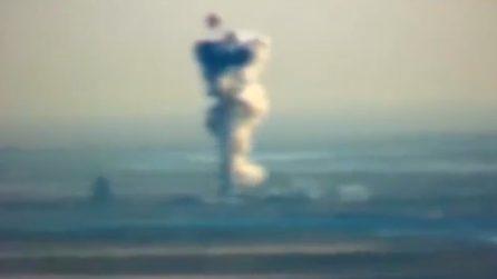 Il razzo di Elon Musk salta in aria: esplosione e nuvola di fumo impressionante