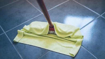 Come pulire e disinfettare il pavimento della cucina