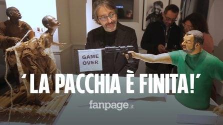 """Scultura choc: Salvini spara ai migranti. Lui: """"Una schifezza"""". L'artista: """"Non tutti capiscono l'arte"""""""