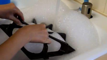 Come pulire le griglie del piano cottura: il metodo perfetto ed economico
