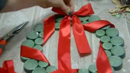 Come riutilizzare i tappi di plastica e realizzare fantastiche decorazioni natalizie