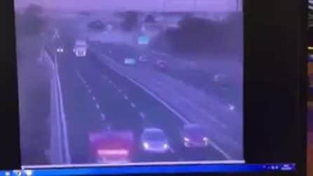 Incidente sull'Autostrada A30, tir si ribalta e invade l'altra carreggiata
