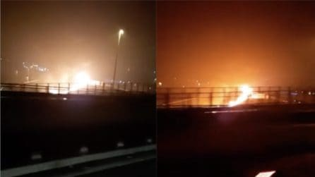 Esplode un tir, carbonizzato l'autista: inferno in autostrada