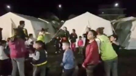 Terremoto in Albania, bambini giocano e ritrovano il sorriso dopo la paura