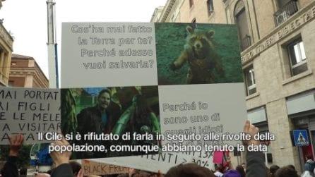 """Fridays For Future in piazza a Roma: """"Siamo contro il consumismo del Black Friday"""""""