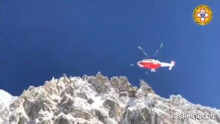Valanga si stacca dal Monte Bianco: morti due sciatori