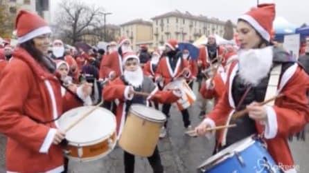 Torino, il raduno dei Babbi Natale per i bimbi del Regina Margherita