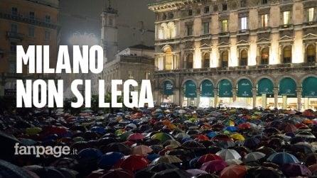 """Le Sardine arrivano a Milano: 25mila persone in Duomo al grido di """"Milano non si Lega"""""""