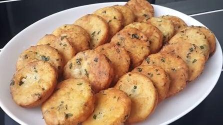 Frittelle di formaggio senza lievitazione: la ricetta veloce e sfiziosa